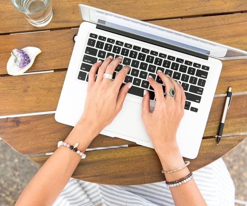 Apple MacBook -MacBook Air MacBook Pro keyboard replacement NiwTech Price